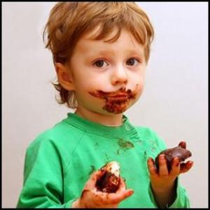 Kid chocolate face(1)