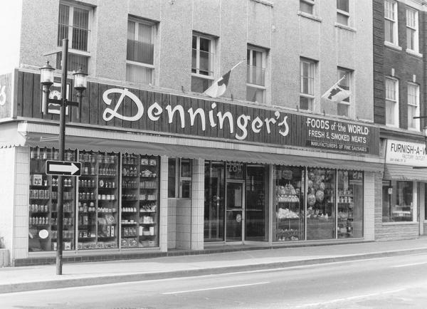 11 Denningers banner